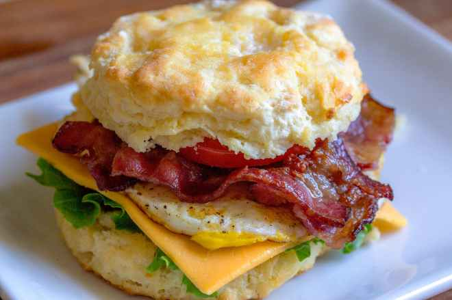 food plate sandwich meal